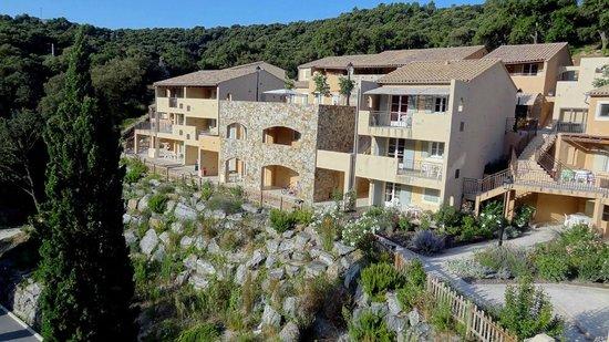 Les Villages Clubs du Soleil - Le Reverdi : partie basse, architecture douteuse