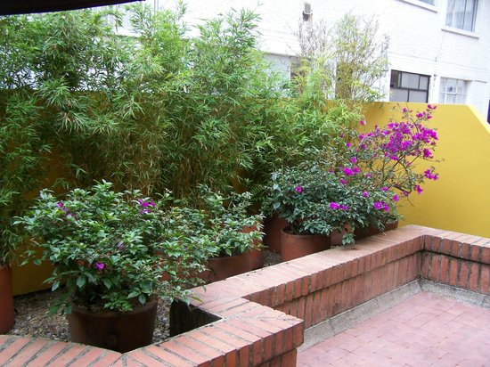 Hotel Emaus Bogota : the balcony of the suite