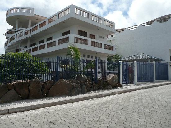 Casa Iguana Mar y Sol