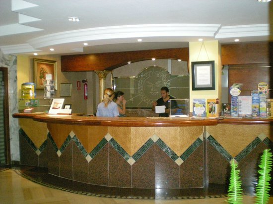 Hotel Vista Odin: La réception.