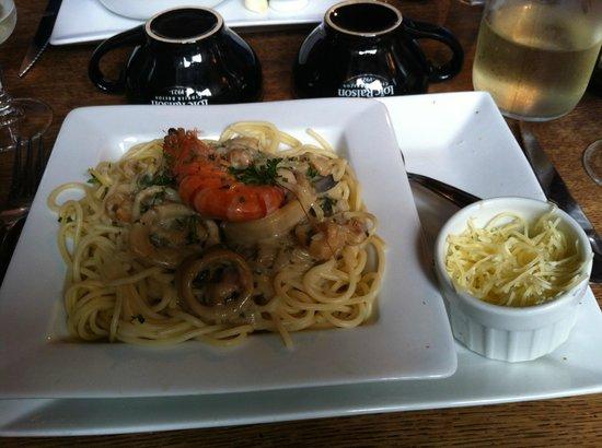 Les Korrigans : Seafood Spaghetti - very nice indeed