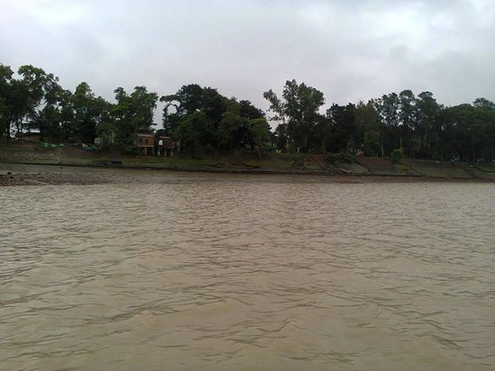 Rupnarayan Tourist Lodge: view of the river frm the launch