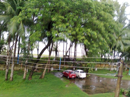 Rupnarayan Tourist Lodge: view frm the balcony of room