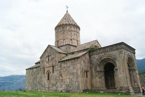 Tatev, Armenia: Esterno del monastero