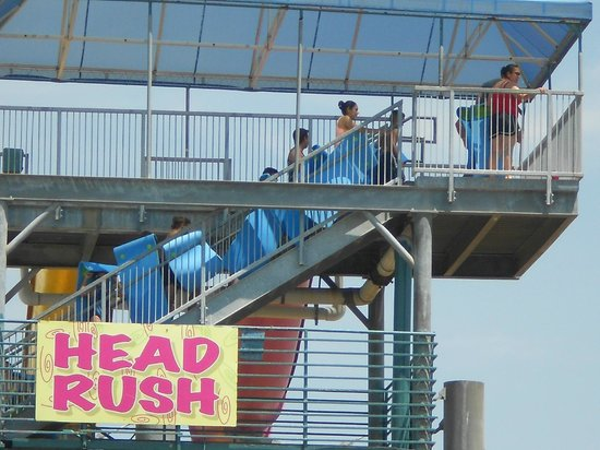 """Splashtown : The best """"all ages"""" ride ... Taller riders need to keep their knees up tho'."""