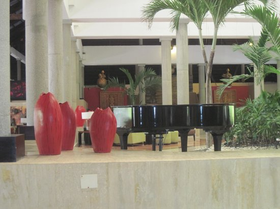 Bavaro Princess All Suites Resort, Spa & Casino: Lobby