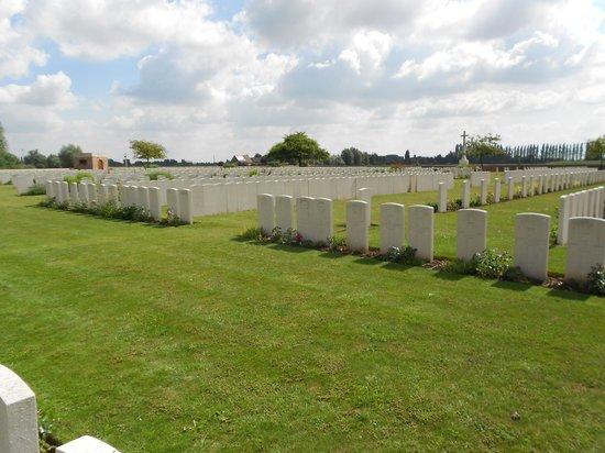 Musee de la Bataille de Fromelles : Rue-Petillon Military Cemetery