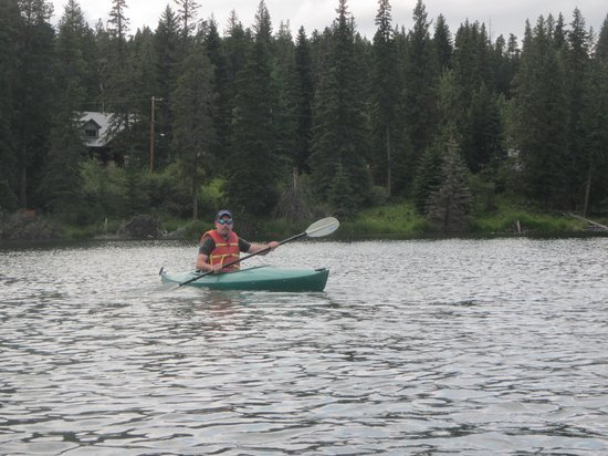 Cypress Hills Interprovincial Park: Kayaking on Loch Leven