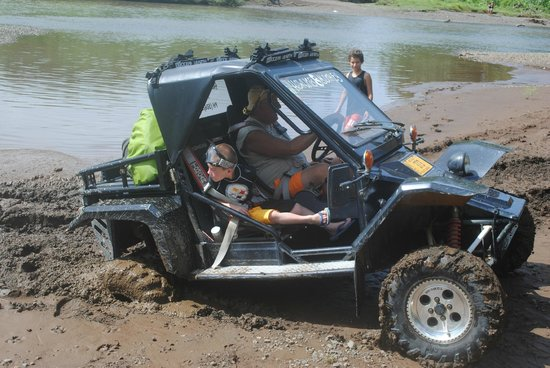 Howling Monkey Adventures: Dad gets a little stuck in the TOMCAR