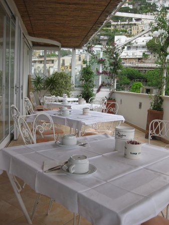 Vittoria: Breakfast Terrace
