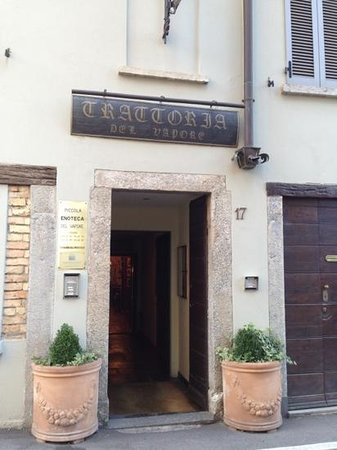 Trattoria del Vapore : main entrance