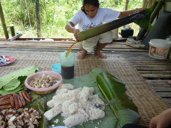 Saloma's Villagestay: jungle tea