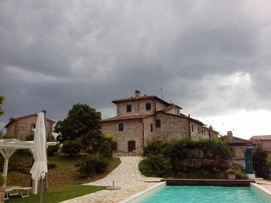Antico Casale Anghiari B&B: Prima del temporale