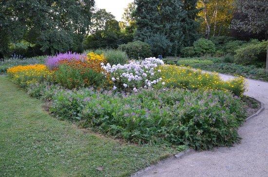 Palais Großer Garten: Lovely summer garden.