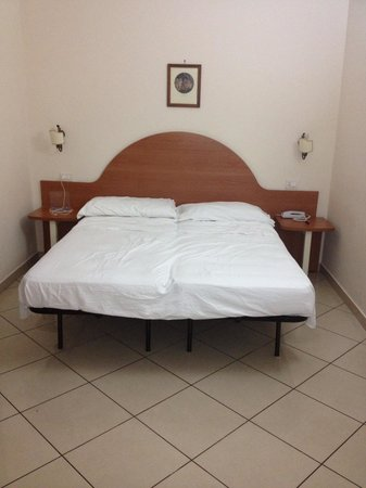 Hotel Primus Roma: camera