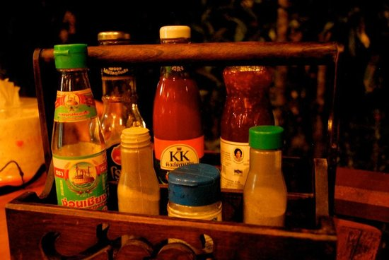 Jungle Hut Bungalow and Hotel: Condiments, attention à certains !