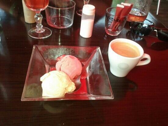 Bodega: Dessert (glace 2 boules)