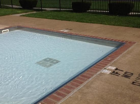 La Quinta Inn Sandusky - Cedar Point: kiddie shallow pool