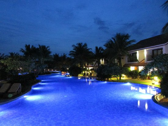 Radisson BLU Resort Temple Bay Mamallapuram: Poollandschaft