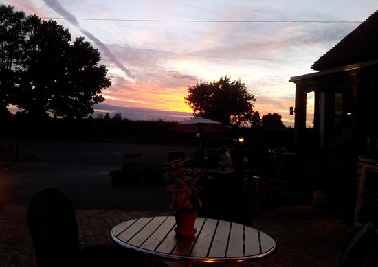 The Gardeners Arms: The sunset definitely helped!