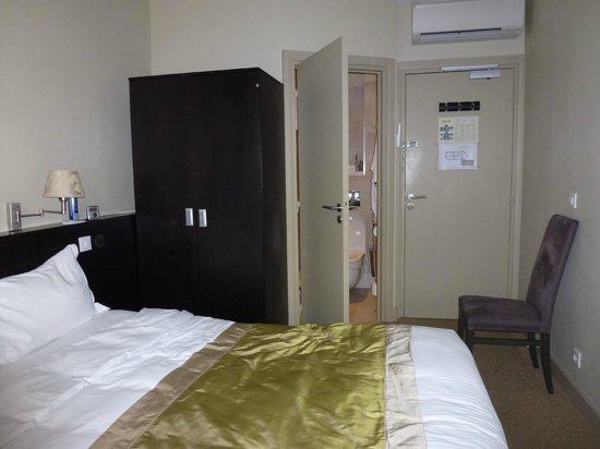La Place Hotel Antibes : Bedroom