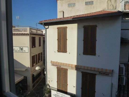La Place Hotel Antibes : View from bedroom window