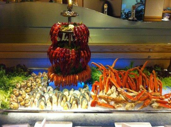 fresh seafood buffet line picture of palm court western rh en tripadvisor com hk palms seafood buffet las vegas palms hotel seafood buffet