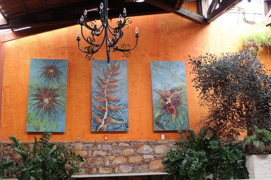 Restaurante Roda D'água: Decoração.