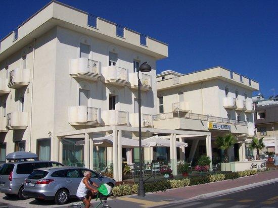 Hotel Agostini : Vue de l'hôtel