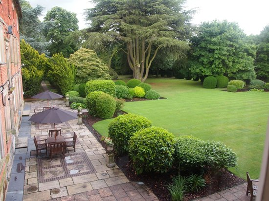 Macdonald Ansty Hall: The view of the gardens from the window.