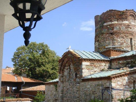 Nessebar Royal Palace: Храм