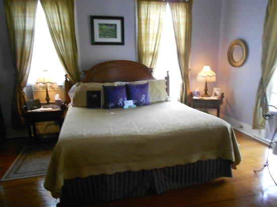 Eva's Escape at the Gardenia Inn: One of the rooms