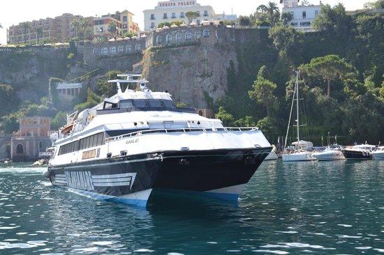 Hotel Caravel Sorrento: Jet ferry to Positano & Amalfi