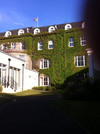 The Spa Hotel : my room from the gardens, first floor, top of window open
