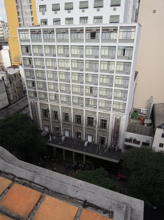 Hotel Excelsior Sao Paulo: View of hotel from hotel across the street.