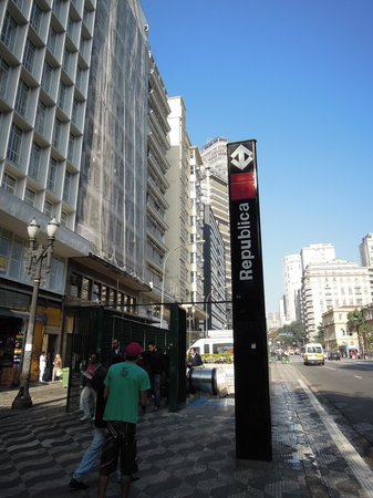 Hotel Excelsior Sao Paulo : Nearby metro station