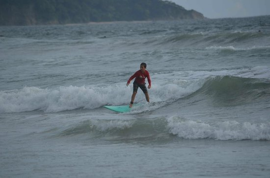 KayaSol Surf Hotel: Surfing Playa Guiones