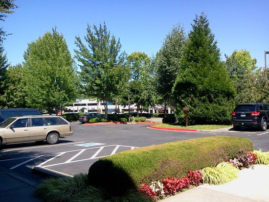 Extended Stay America - Seattle - Bothell - Canyon Park: front parking