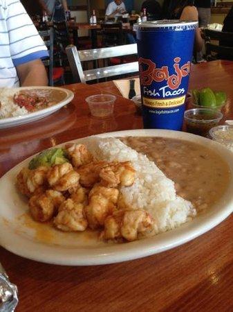 Baja Fish Tacos: los camarones.