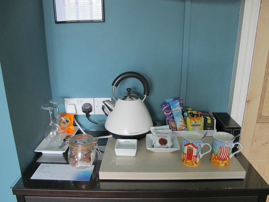 Bed & Breakfast by the Beach: Hospitality Tray