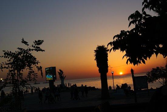 Marvista Restaurant: Günbatımı