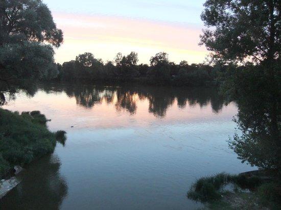 BELLEROCHE : The pleasant walk into town along the river