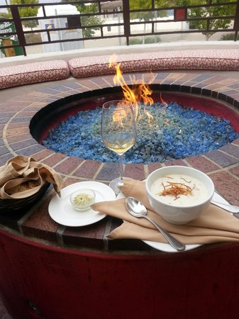 The Club Room : Fire pit