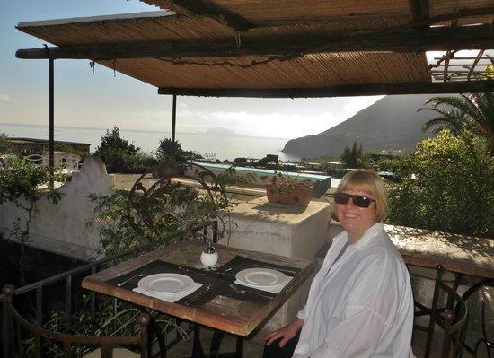 Hotel Signum: Terrace for breakfast, dinner, cocktails