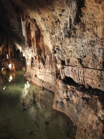 Chez Providence Chambres et Table d'Hotes: Grotte de Limousis