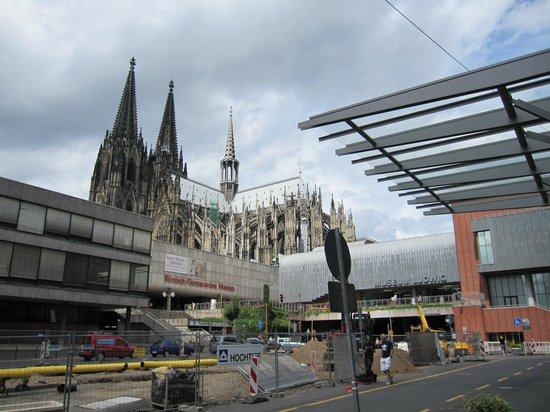 Hotel Mondial am Dom Cologne MGallery by Sofitel: Cologne cathedral day view from front of hotel 7/30/13