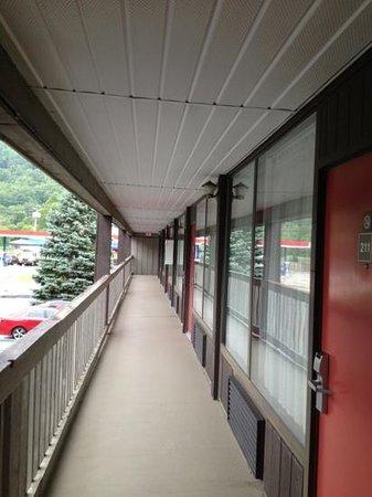 Great Smokies Inn : second floor