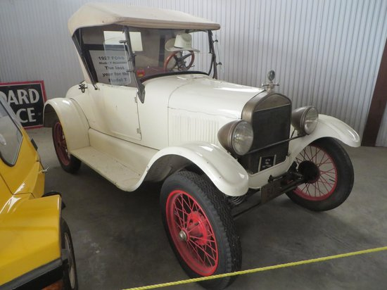 Bonanzaville USA: 1927 Ford Model T Runabout