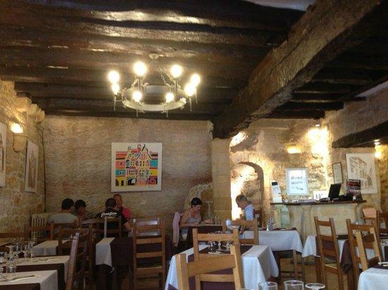 Auberge de Mirandol: Intérieur du restaurant.