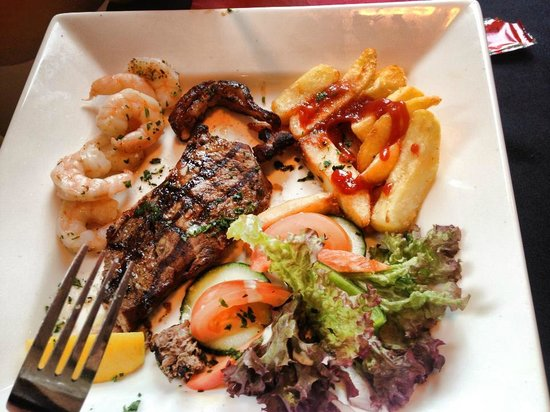 Toast Cafe Bar & Grill Restaurant Blackpool : Surf and Turf :)